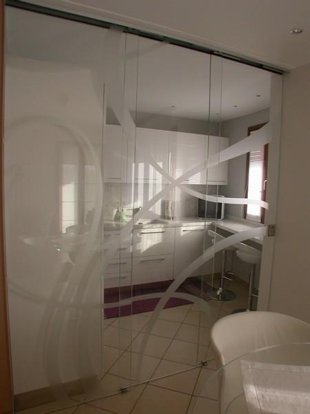 cucina con vetro divisorio | Fotogallery